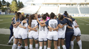 Nevada Soccer huddles
